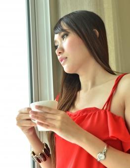 Drinking green tea is relaxing