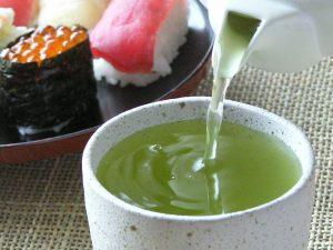 Thé Vert sushi avec konacha